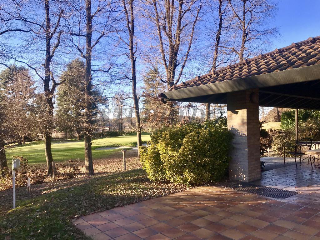 Villa in vendita a Carimate, 8 locali, prezzo € 690.000 | PortaleAgenzieImmobiliari.it
