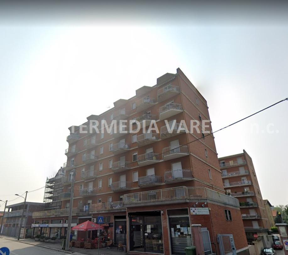 Appartamento in vendita a Gallarate, 3 locali, prezzo € 100.000 | CambioCasa.it
