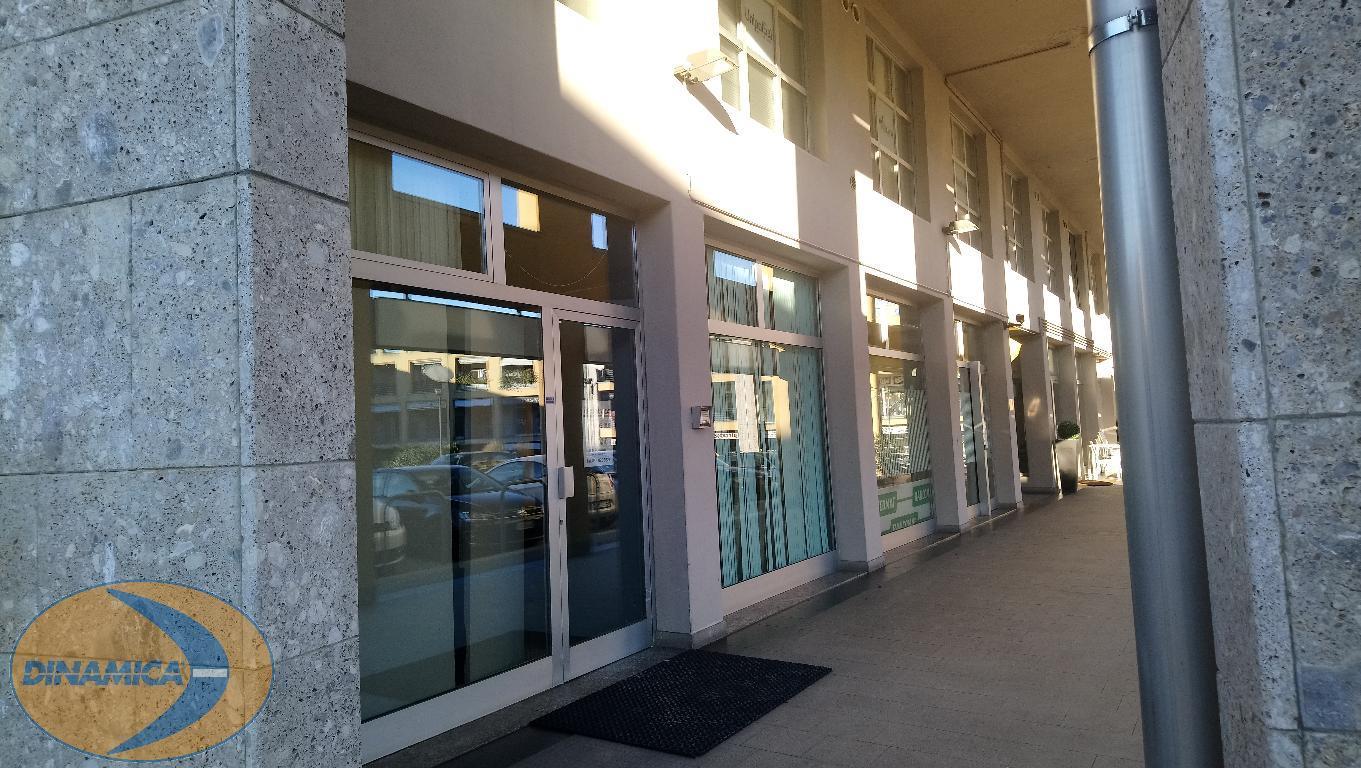 Negozio / Locale in vendita a Casatenovo, 1 locali, prezzo € 395.000 | CambioCasa.it