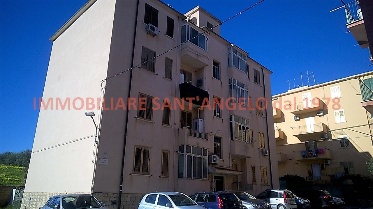 Appartamento in vendita a Agrigento, 5 locali, zona Località: Via Crispi, prezzo € 60.000 | CambioCasa.it