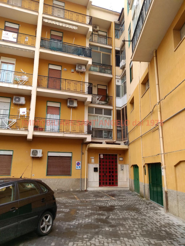 Appartamento in vendita a Agrigento, 4 locali, zona Località: Imera-Pio La Torre, prezzo € 60.000 | CambioCasa.it