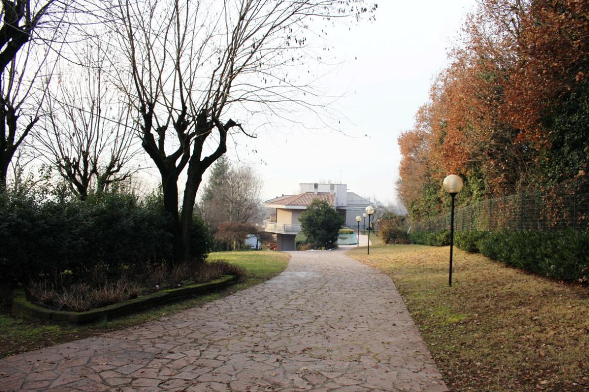Villa singola di prestigio a Castiglione delle Stiviere