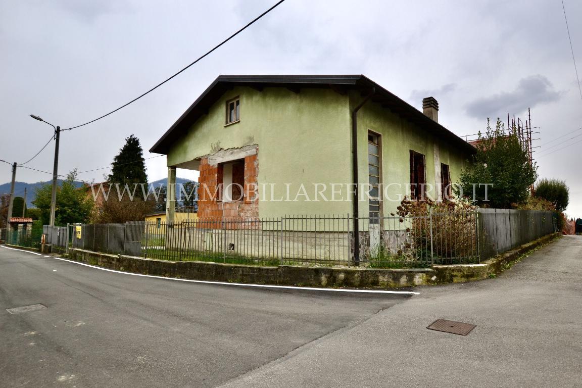 Vendita villa singola Caprino Bergamasco superficie 210m2