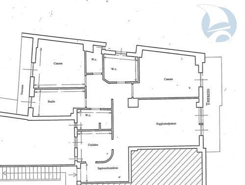 Zona centrale, appartmento di 110 mq ristrutturato con balconi