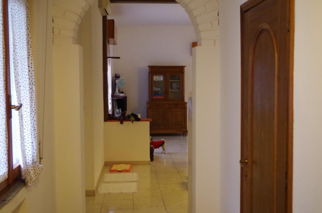 Appartamento in vendita a Cassano d'Adda, 4 locali, zona Località: Groppello, prezzo € 139.000 | CambioCasa.it