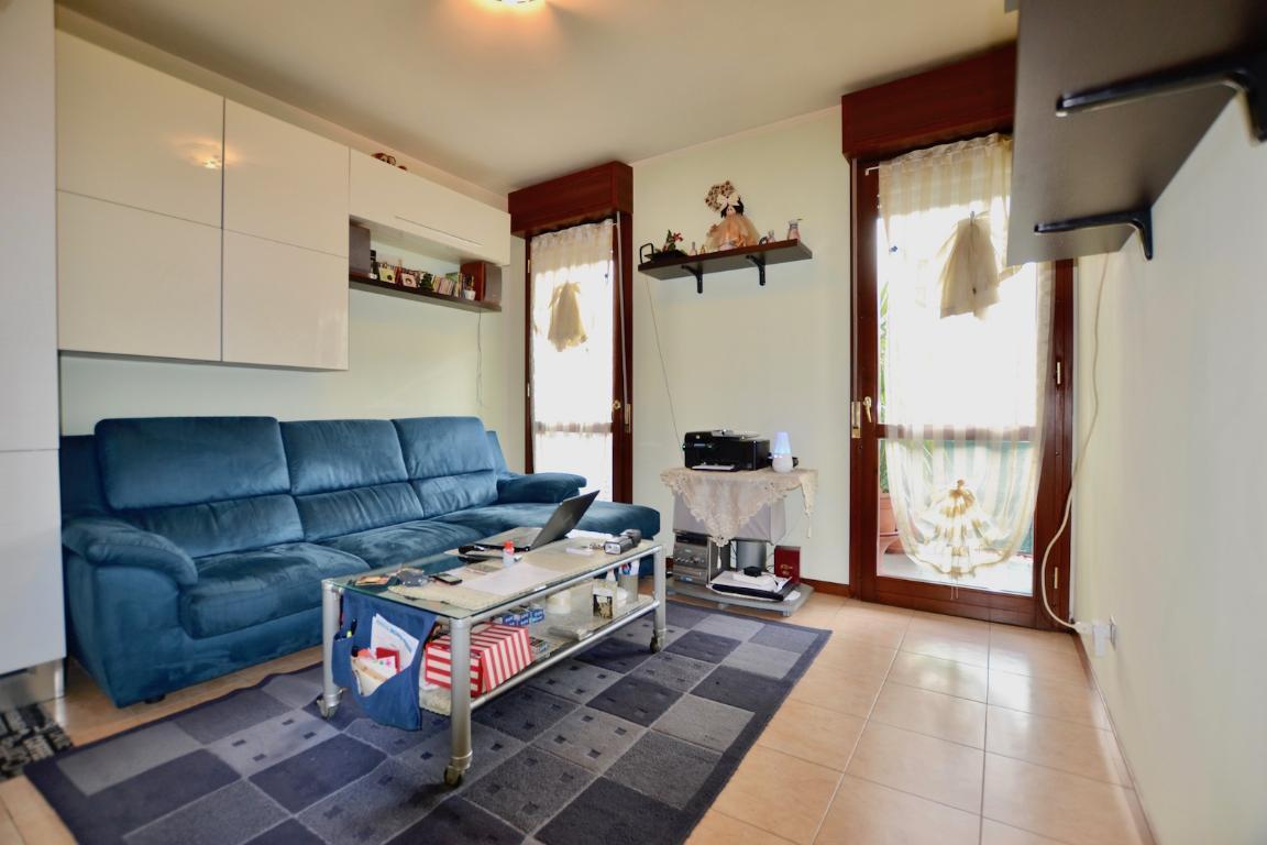 Appartamento in vendita a Caprino Bergamasco, 2 locali, prezzo € 87.000 | CambioCasa.it