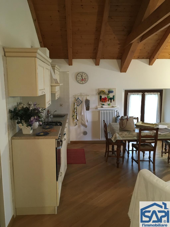 Appartamento in vendita a San Sebastiano Curone, 3 locali, prezzo € 120.000 | CambioCasa.it