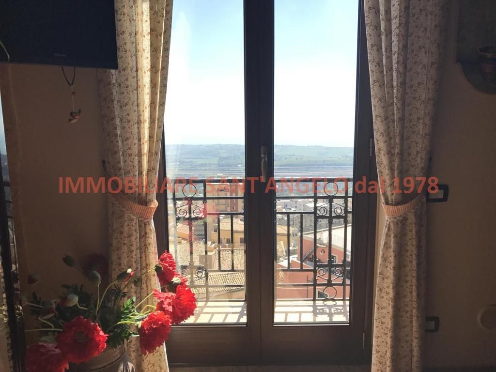 Appartamento in vendita a Agrigento, 9 locali, zona Zona: Centro, prezzo € 200.000 | CambioCasa.it