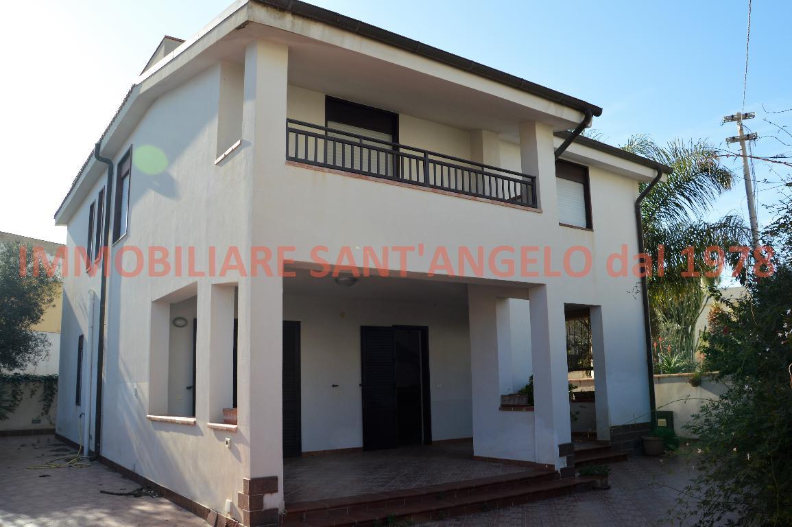 Villa in vendita a Agrigento, 9 locali, zona Località: San Leone Baia d'Ulisse, prezzo € 350.000 | PortaleAgenzieImmobiliari.it