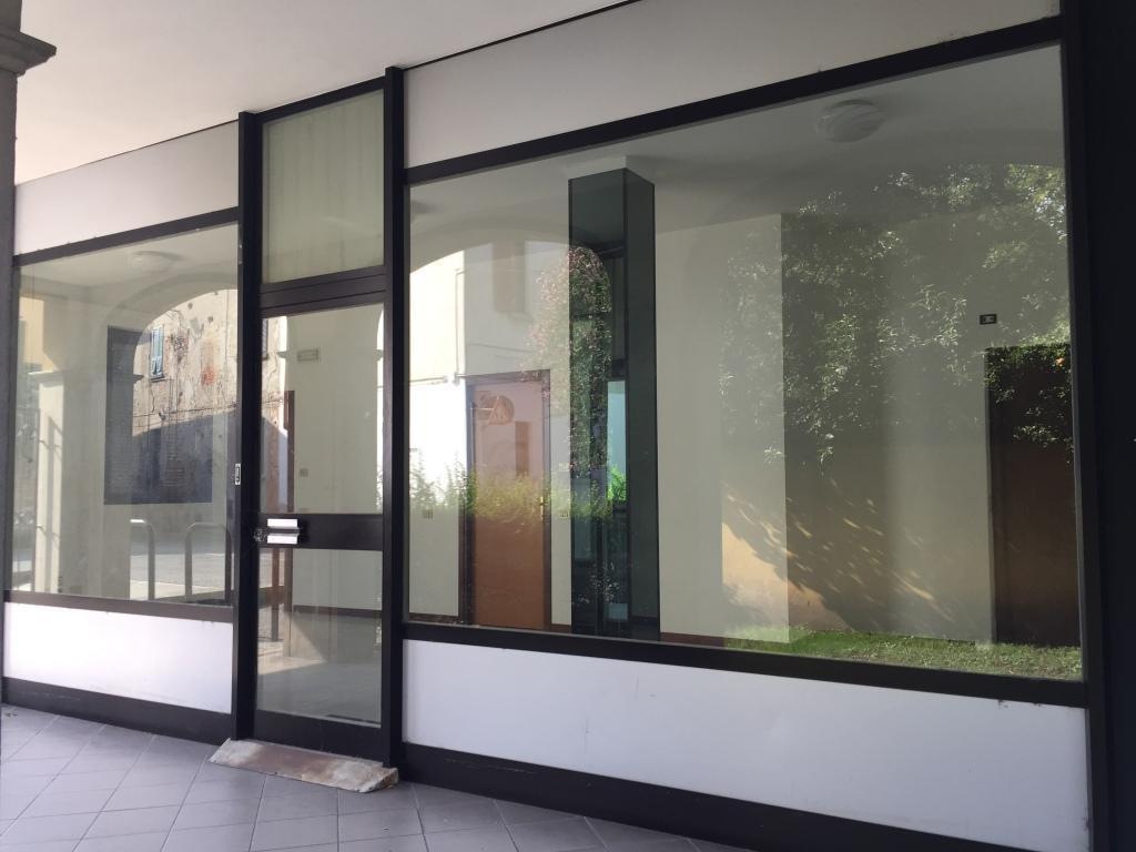 Negozio / Locale in vendita a Vaprio d'Adda, 3 locali, prezzo € 78.000 | CambioCasa.it