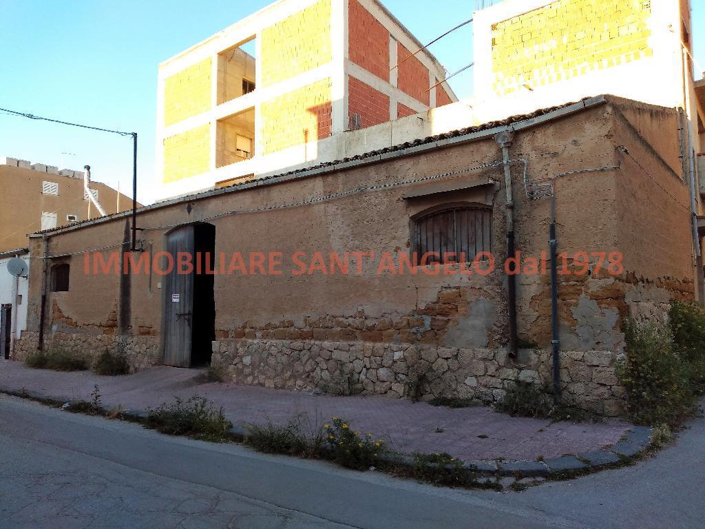 Magazzino in vendita a Siculiana, 1 locali, zona Località: Centro, prezzo € 70.000   CambioCasa.it
