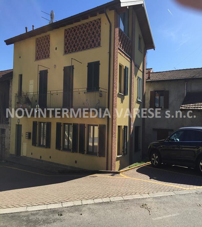 Attico / Mansarda in affitto a Daverio, 1 locali, prezzo € 470 | CambioCasa.it