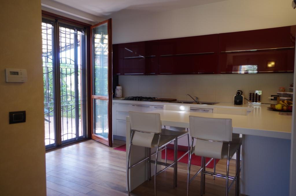 Villa in vendita a Vaprio d'Adda, 4 locali, prezzo € 280.000 | CambioCasa.it