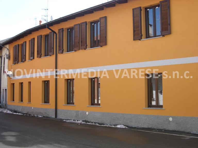 Appartamento in vendita a Crosio della Valle, 4 locali, zona Località: Vicinanze Varese, prezzo € 165.000 | CambioCasa.it