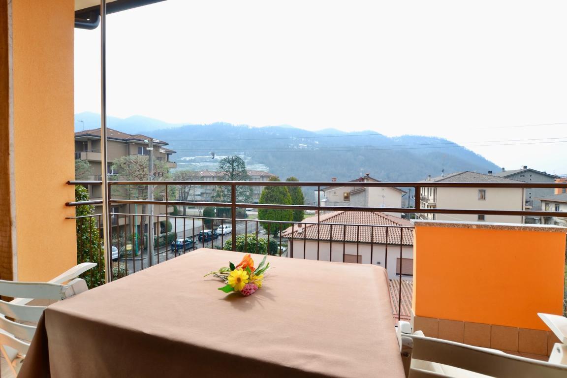 Appartamento in vendita a Cisano Bergamasco, 3 locali, zona Località: Centro, prezzo € 88.000 | CambioCasa.it