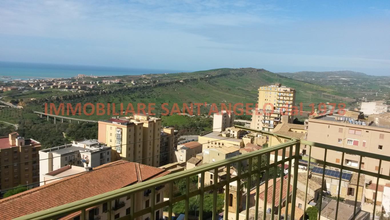 Appartamento in vendita a Agrigento, 5 locali, zona Zona: Centro, prezzo € 140.000 | CambioCasa.it