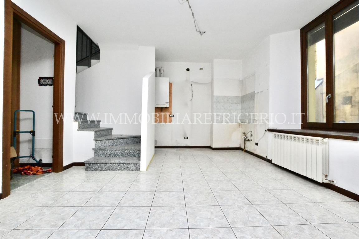 Vendita casa indipendente Caprino Bergamasco superficie 90m2