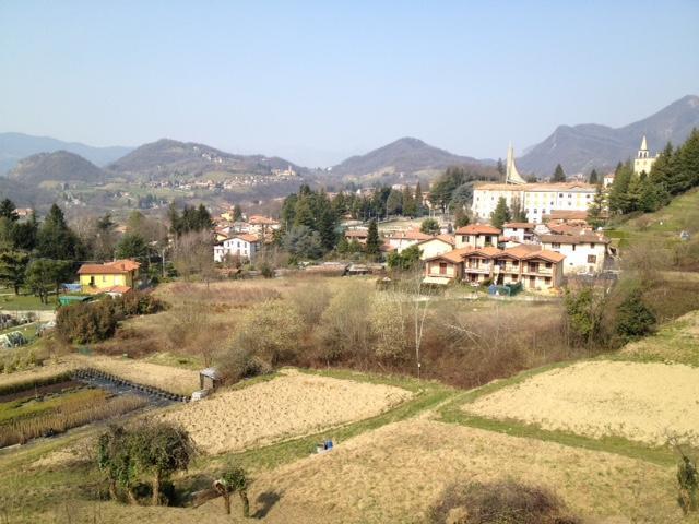 Vendita terreno residenziale Caprino Bergamasco superficie 925m2