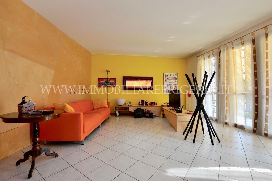 Appartamento in vendita a Cisano Bergamasco, 3 locali, zona Località: Colombera, prezzo € 150.000 | CambioCasa.it