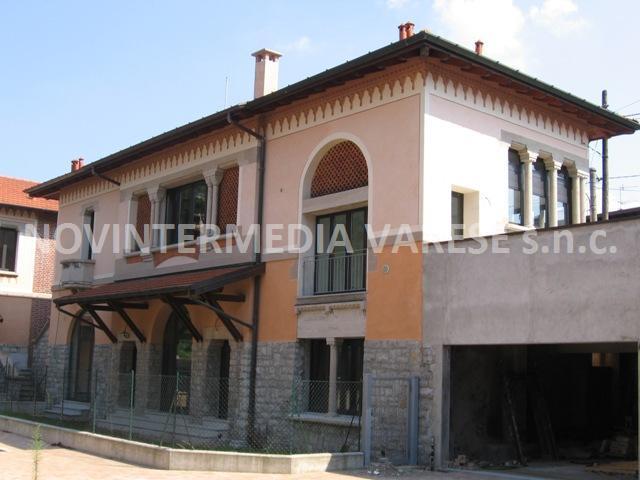 Appartamento in vendita a Besozzo, 4 locali, zona Zona: Bogno, prezzo € 225.000 | CambioCasa.it