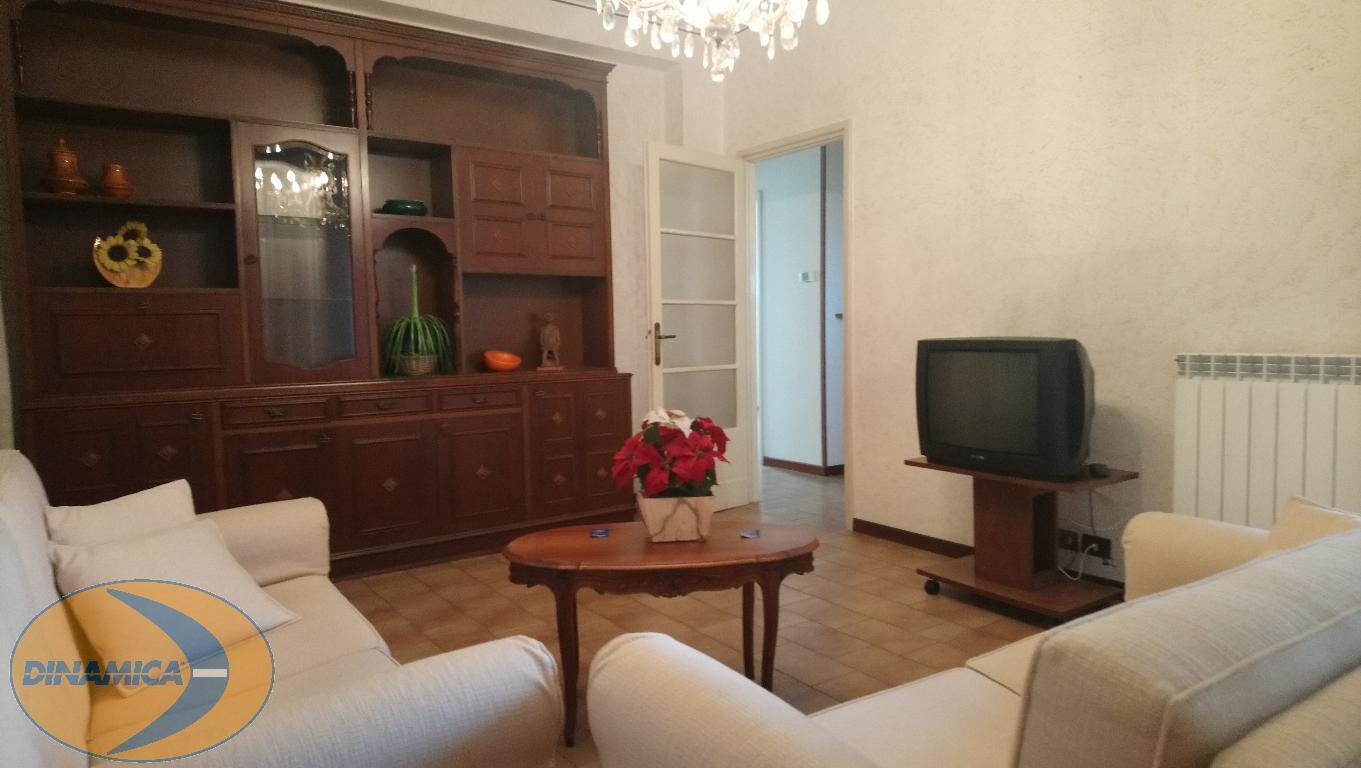 Appartamento in vendita a Casatenovo, 3 locali, zona Località: centro, prezzo € 60.000 | CambioCasa.it