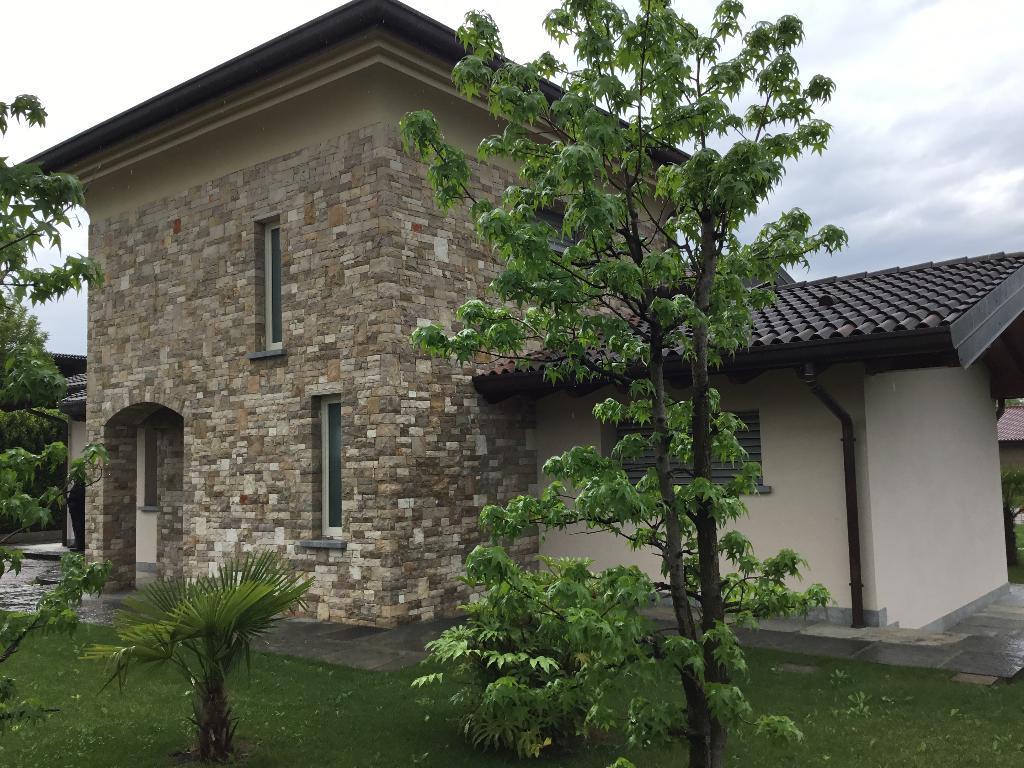 Villa in vendita a Palosco, 5 locali, Trattative riservate   CambioCasa.it