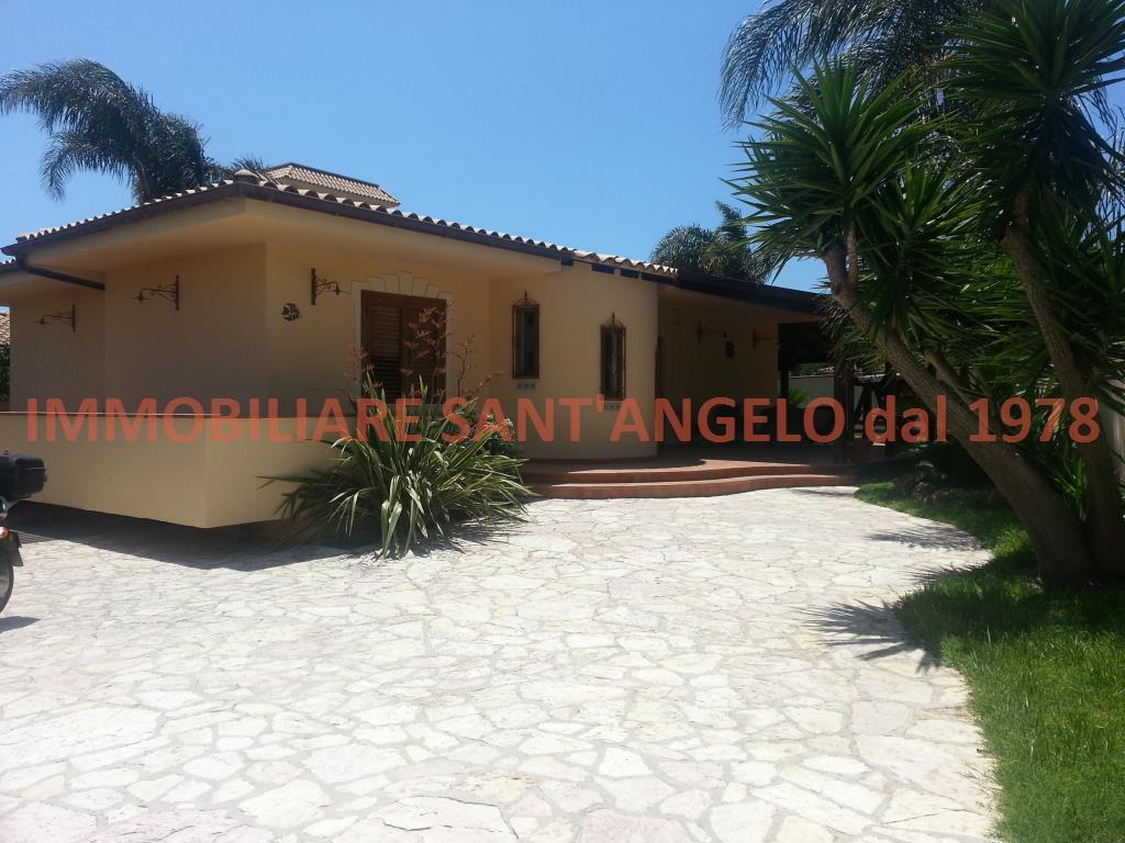 Villa in vendita a Agrigento, 7 locali, zona Zona: San Leone, prezzo € 490.000 | CambioCasa.it