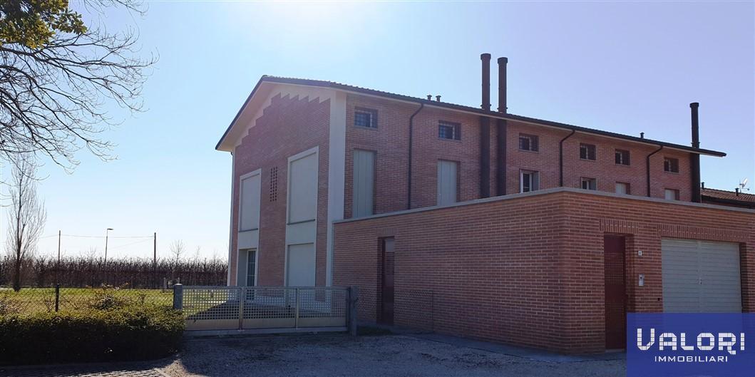 Soluzione Semindipendente in vendita a Faenza, 4 locali, zona Località: PRIMA CAMPAGNA LATO FORLI', prezzo € 439.000 | CambioCasa.it