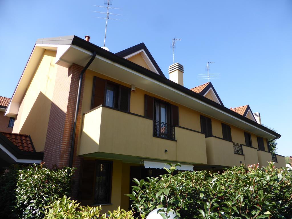 Villa a Schiera in vendita a Carimate, 4 locali, zona Località: Confine con Lentate, prezzo € 259.000 | PortaleAgenzieImmobiliari.it
