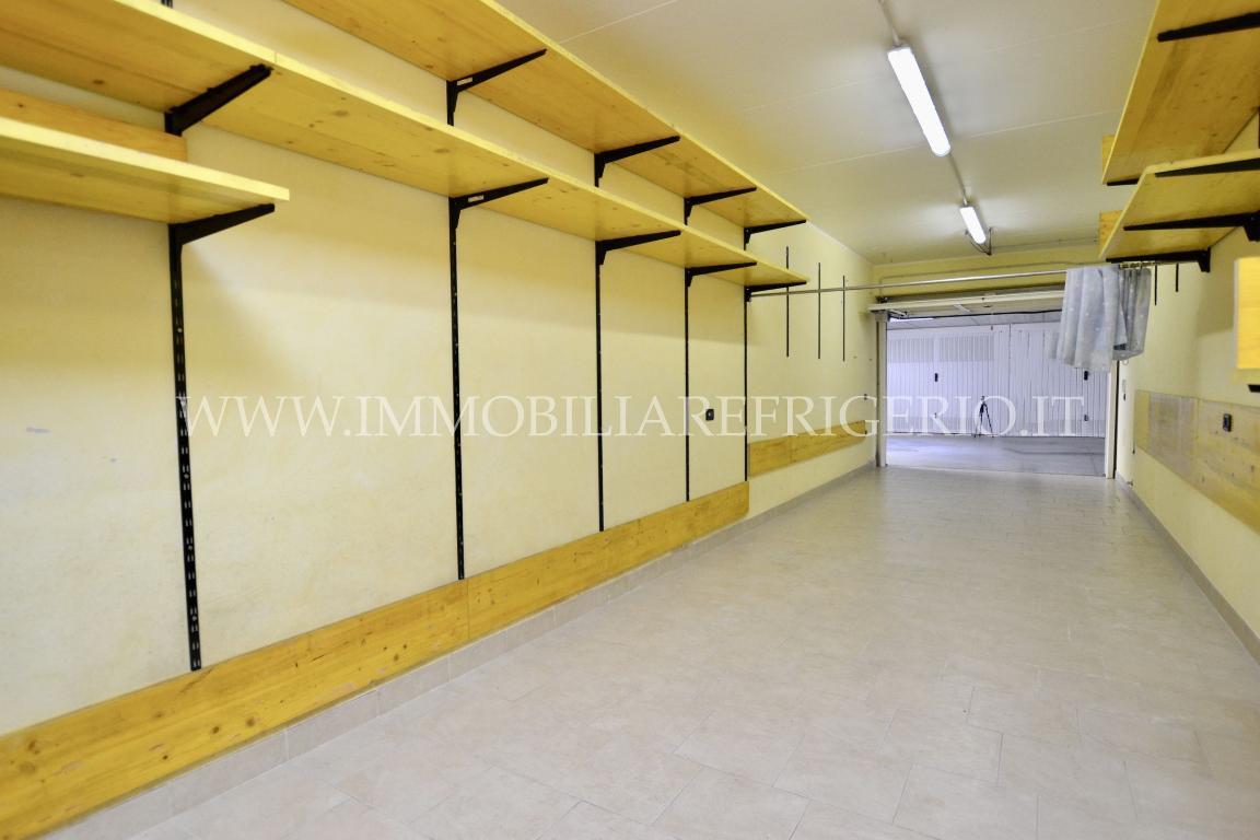 Vendita box Caprino Bergamasco superficie 15m2