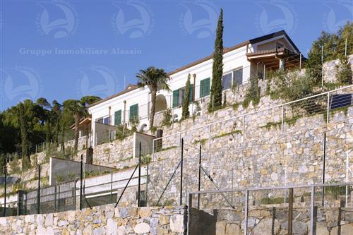 Splendida villa vista mare con piscina