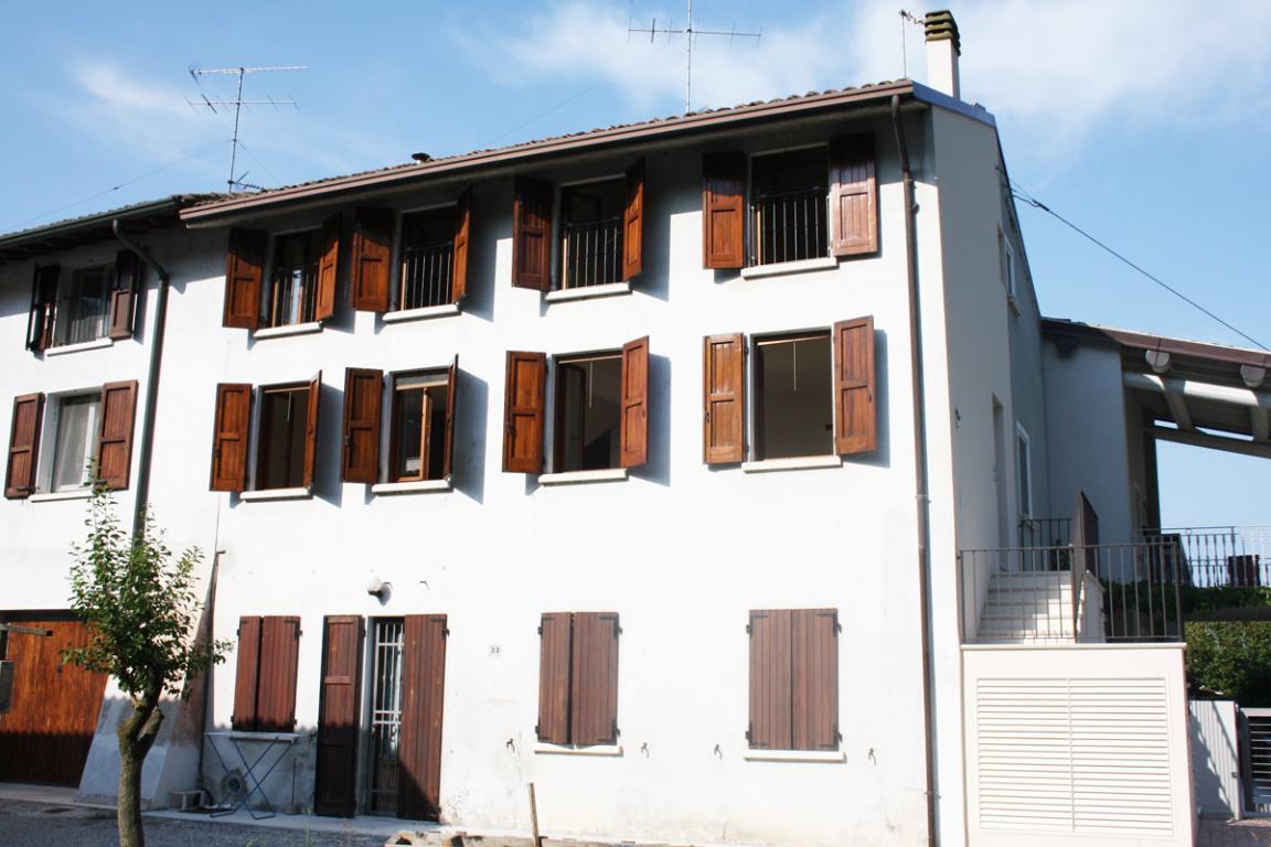 Appartamento in zonaperiferica a Desenzano del Garda