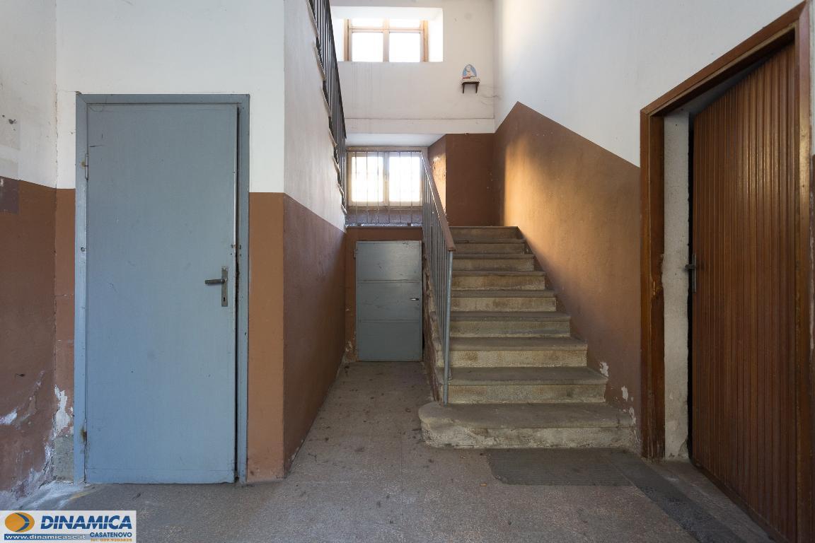 Rustico / Casale in vendita a Casatenovo, 15 locali, zona Località: Centro, prezzo € 300.000 | CambioCasa.it