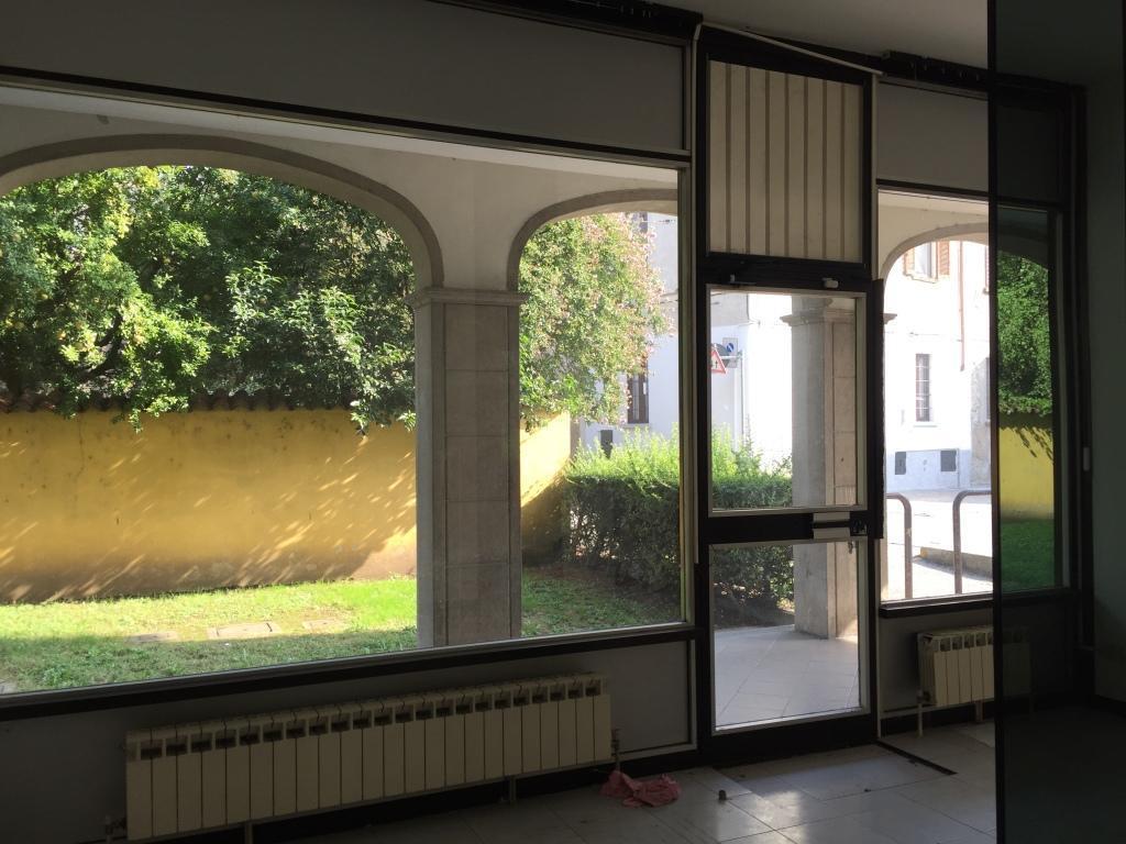 Negozio / Locale in vendita a Vaprio d'Adda, 3 locali, prezzo € 70.000 | CambioCasa.it
