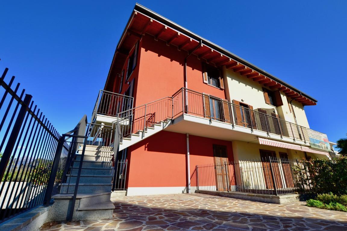 Appartamento in vendita a Cisano Bergamasco, 4 locali, prezzo € 255.000 | CambioCasa.it