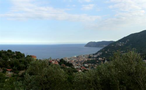 Terreno vista mare con progetto per villa 120mq