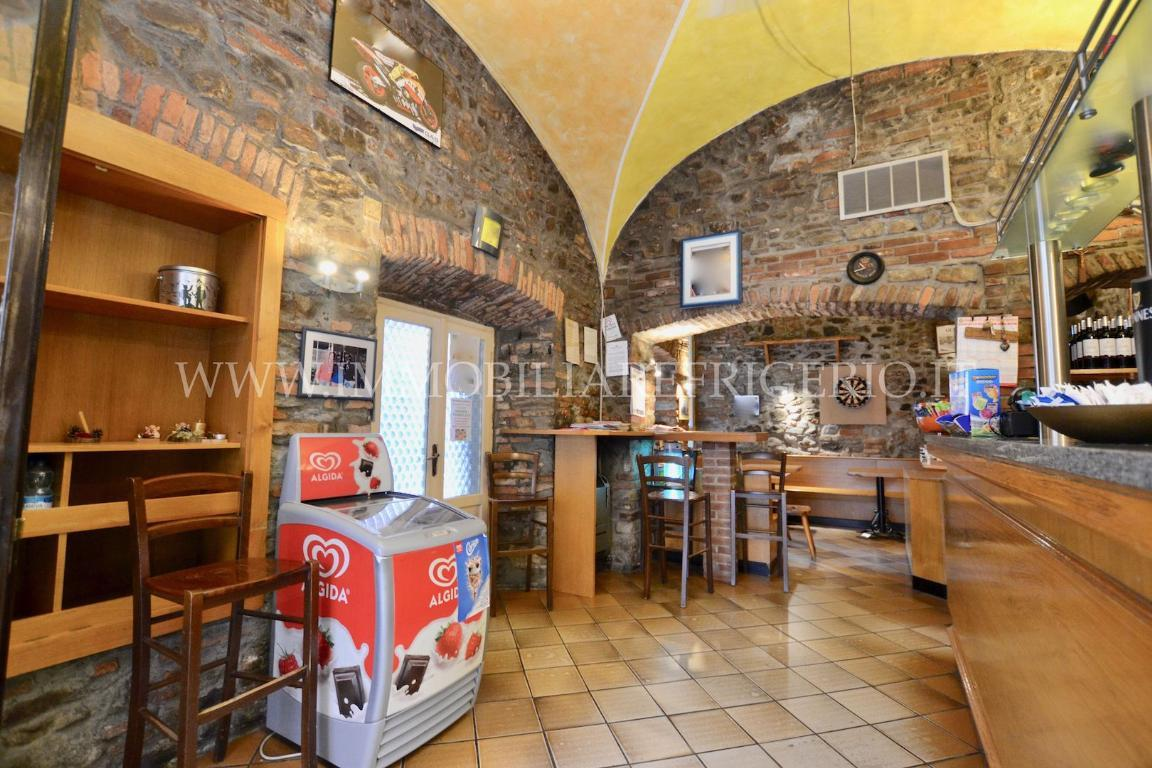 Attività / Licenza in vendita a Caprino Bergamasco, 2 locali, zona Località: centro, prezzo € 20.000 | CambioCasa.it