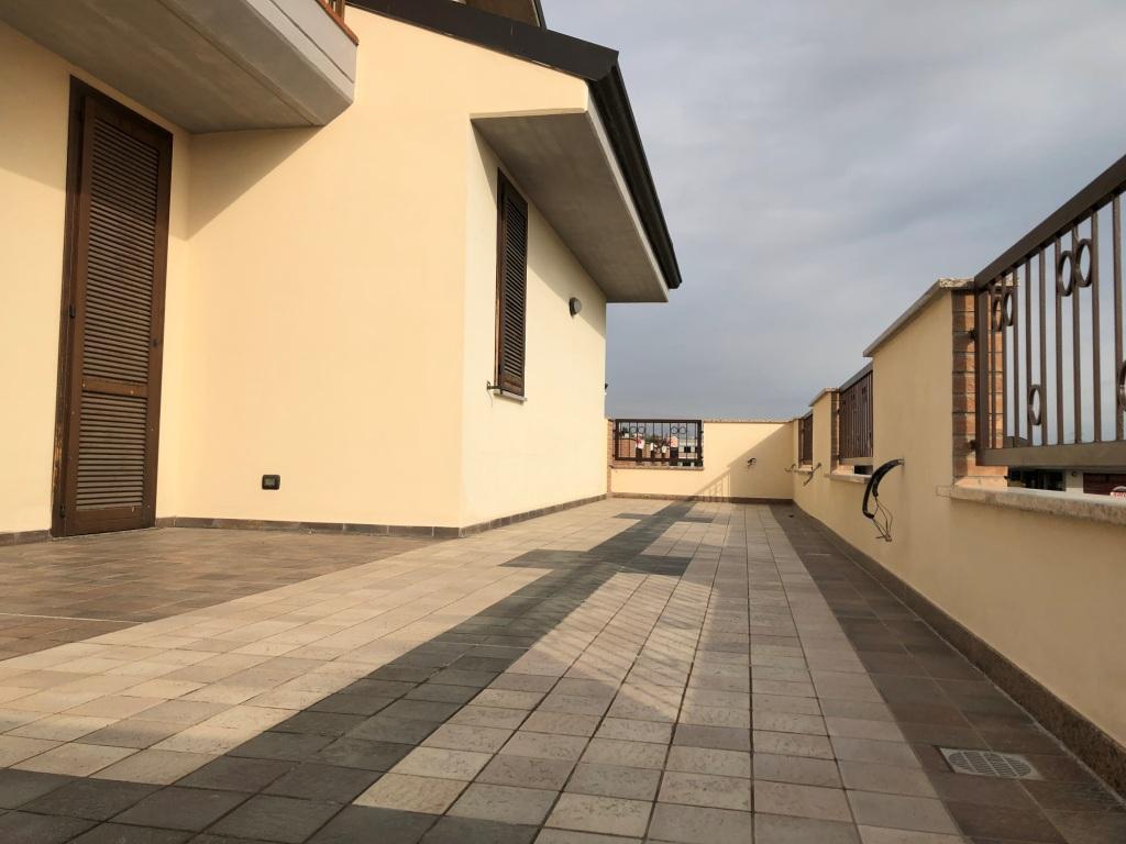 Appartamento in vendita a Trezzano Rosa, 4 locali, prezzo € 310.000 | PortaleAgenzieImmobiliari.it