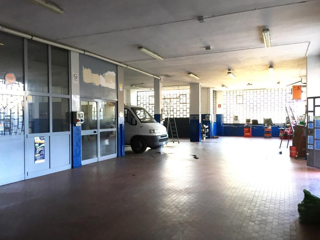 Capannone in vendita a Vaprio d'Adda, 9999 locali, prezzo € 135.000 | CambioCasa.it