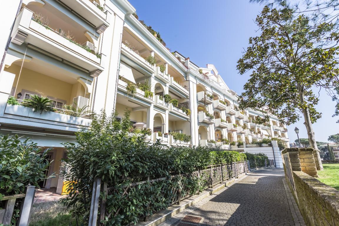 Immobili in affitto a roma appartamento attico ufficio for Affitto ufficio tuscolana