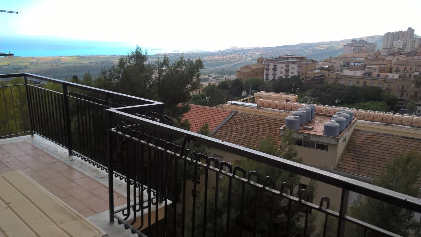 Appartamento in affitto a Agrigento, 6 locali, zona Località: Centroi, prezzo € 600 | CambioCasa.it