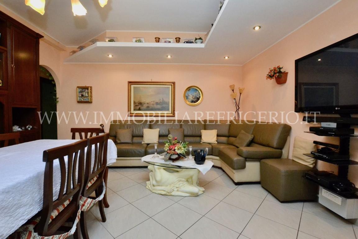 Appartamento in vendita a Caprino Bergamasco, 3 locali, zona Zona: Cava, prezzo € 113.000 | CambioCasa.it