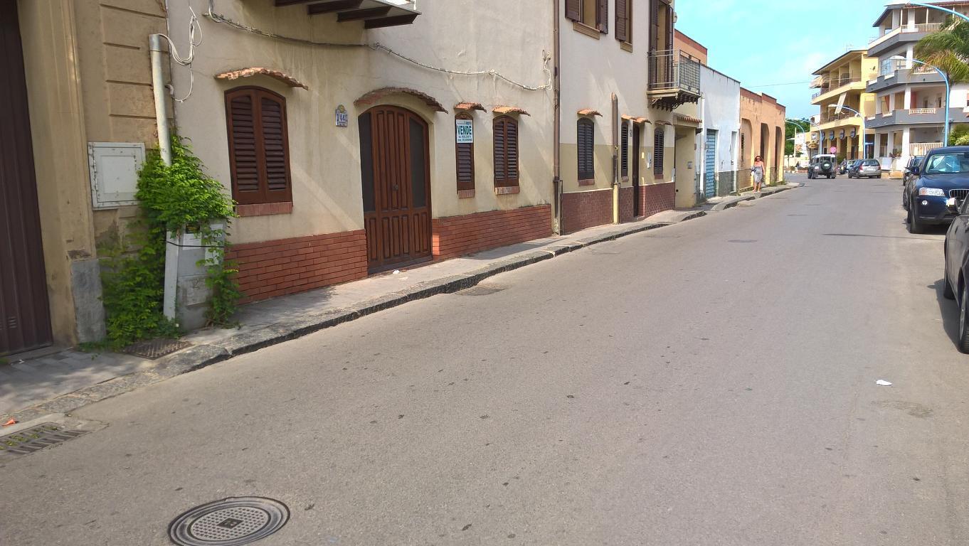 Appartamento in vendita a Agrigento, 3 locali, zona Zona: San Leone, Trattative riservate | CambioCasa.it