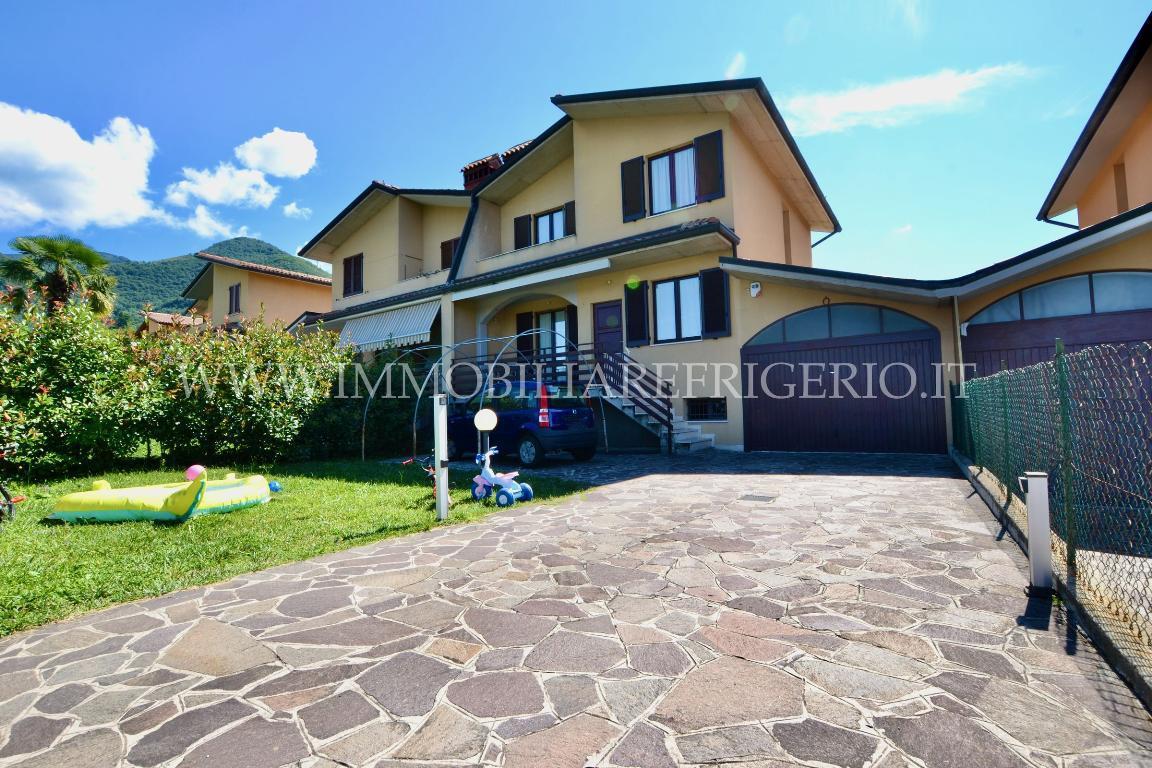 Vendita villa a schiera Caprino Bergamasco superficie 210m2