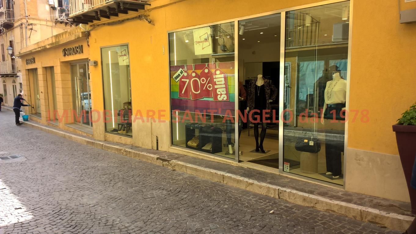 Negozio / Locale in vendita a Agrigento, 2 locali, zona Località: Via Atenea, Trattative riservate | CambioCasa.it