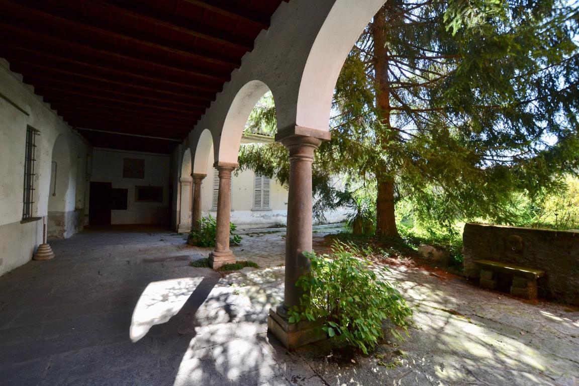 Rustico / Casale in vendita a Caprino Bergamasco, 9999 locali, zona Località: Centro, prezzo € 500.000 | CambioCasa.it